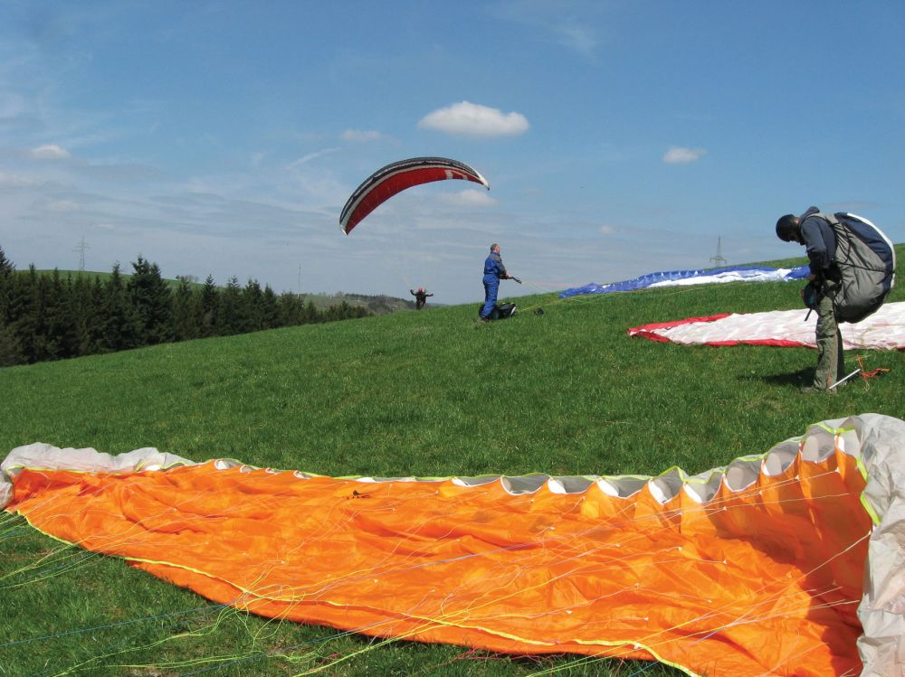 paragliding at the gringlay 06