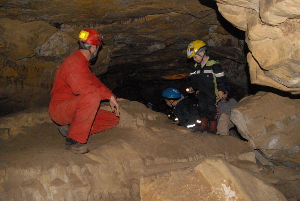 exploration des grottes mamerlayen
