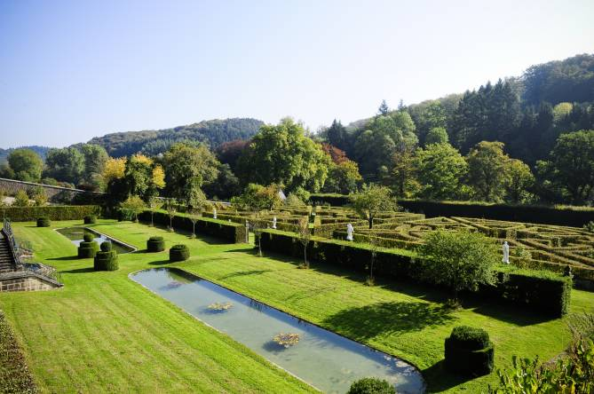 french gardens of ansembourg castle 01