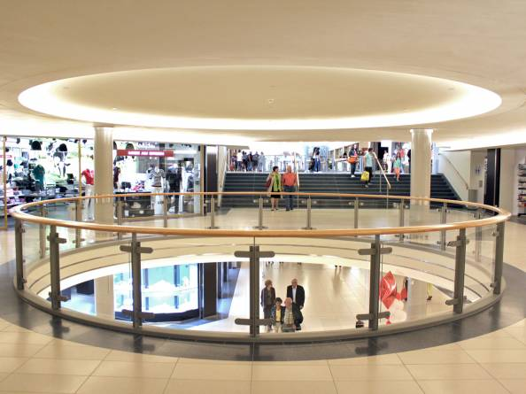 la belle etoile shopping center bertrange
