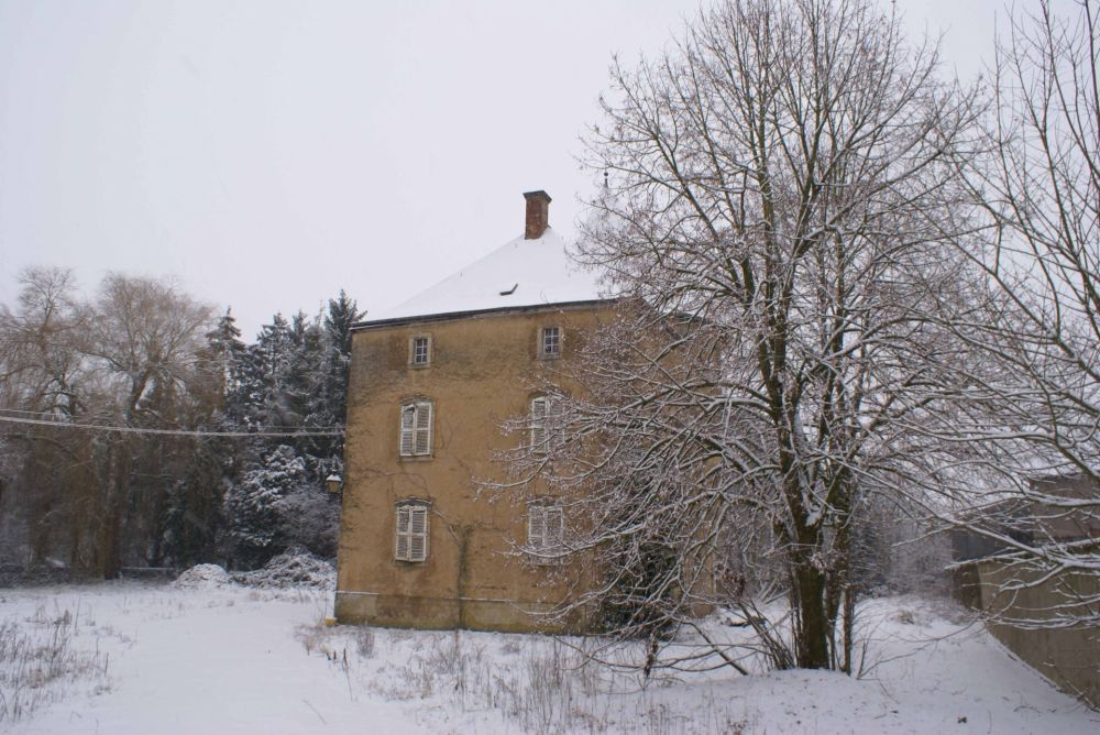 Aspelt castle in winter 2