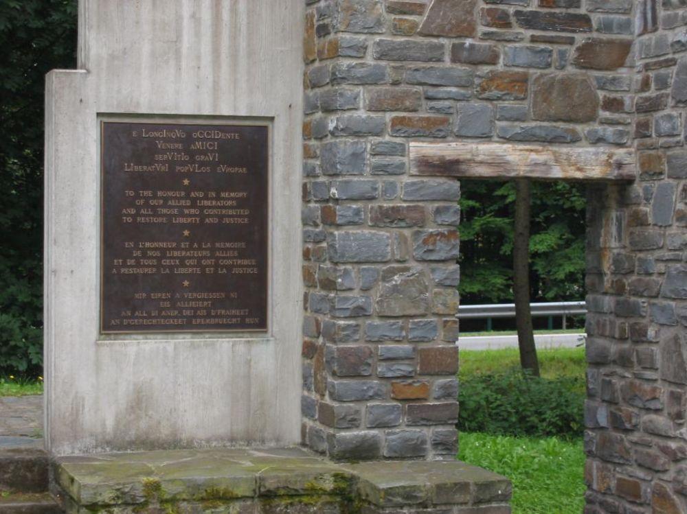 1944 1945 remembrance walk wiltz monument 1