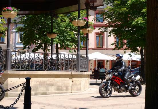 larochette biker kris van der stockt
