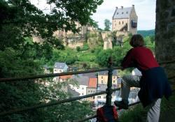 larochette castle hiker joelle mathias
