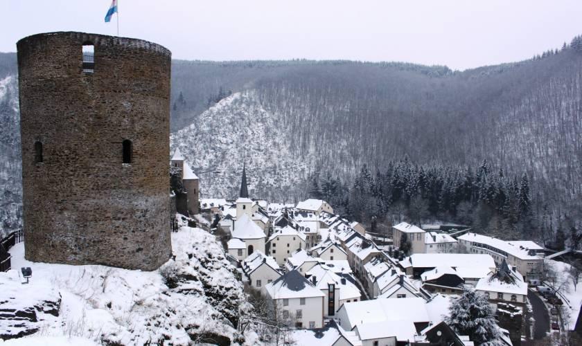 esch sur sure castle winter yves karier