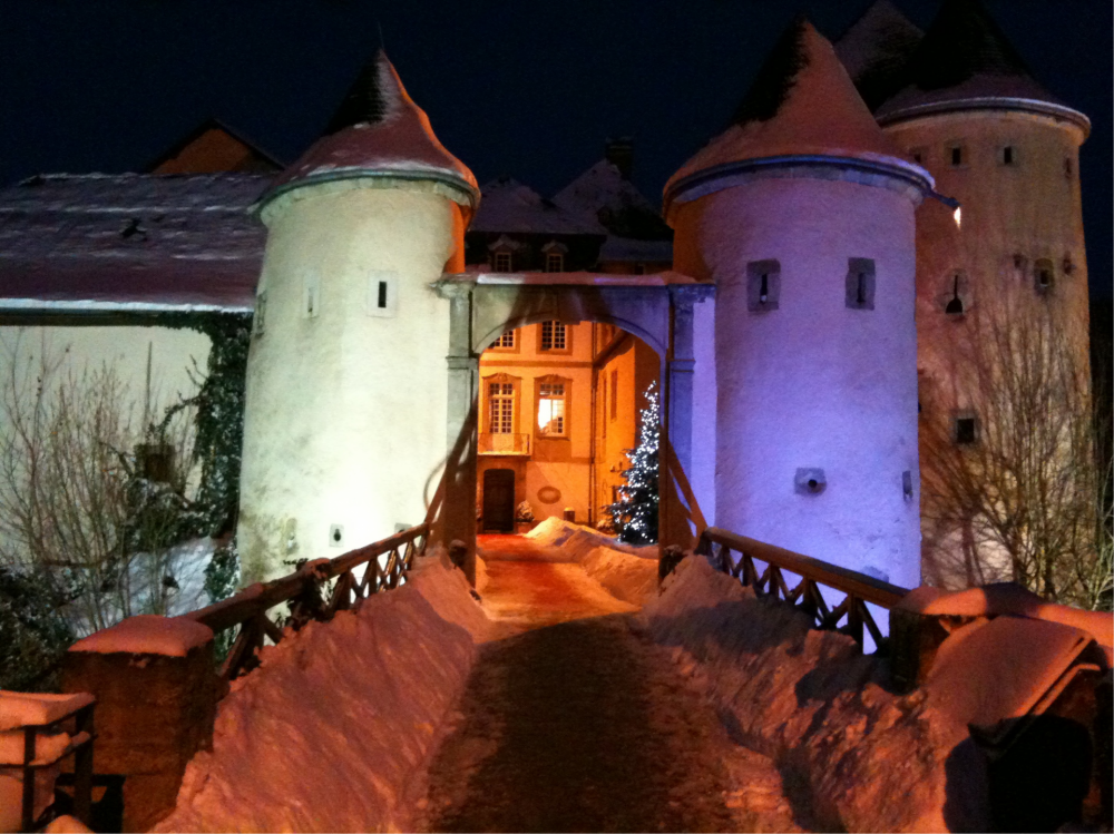 chateau de bourglinster exterieur nocturne photo