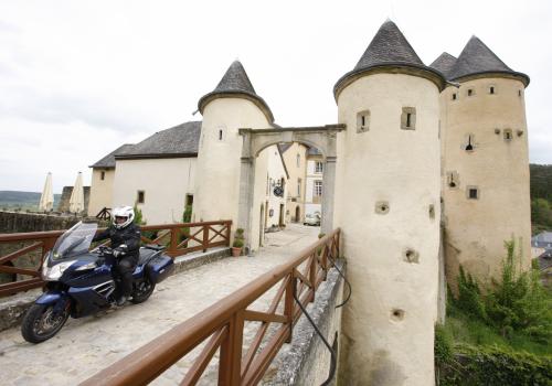 chateau de bourglinster exterieur