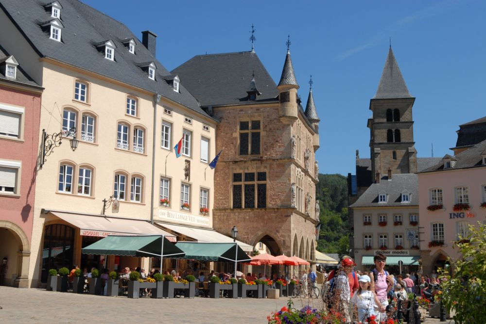 market square with denzelt echternach 02