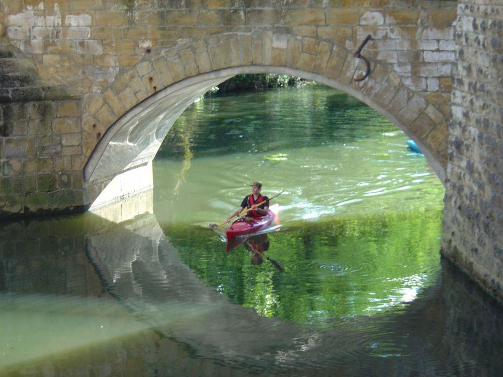 en canoe dans la vallee de la sure 01