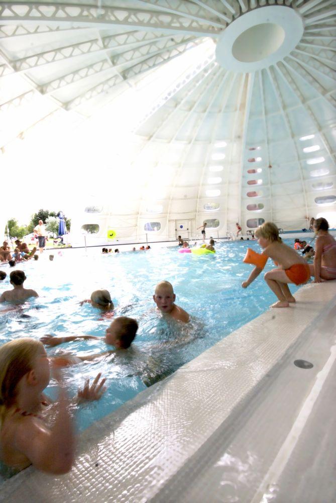 piscine couverte larochette 01