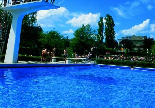 schwimmbad dudelange