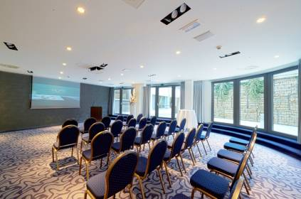 Double tree by hilton luxembourg meeting point luxembourg for Chambre de commerce kirchberg