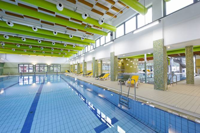 Pisciniste colmar schwimmbad und saunen for Blue piscine colmar