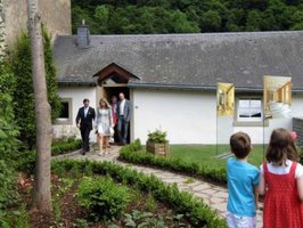16 clervaux maison du tourisme et ascenseur panoramique a clervaux hors tour