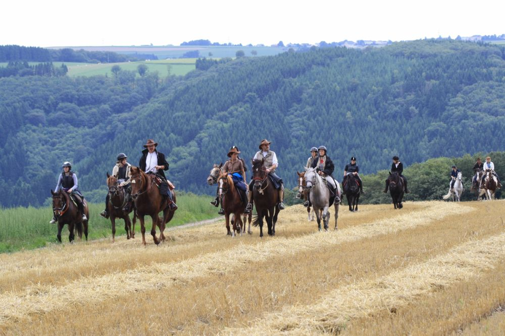 paardrijden tour 10 vom mittelalter in den wilden westen 24km