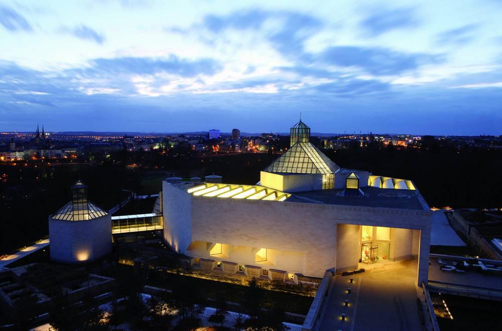 Mudam luxembourg mus e d 39 art moderne grand duc jean for Designhotel luxemburg