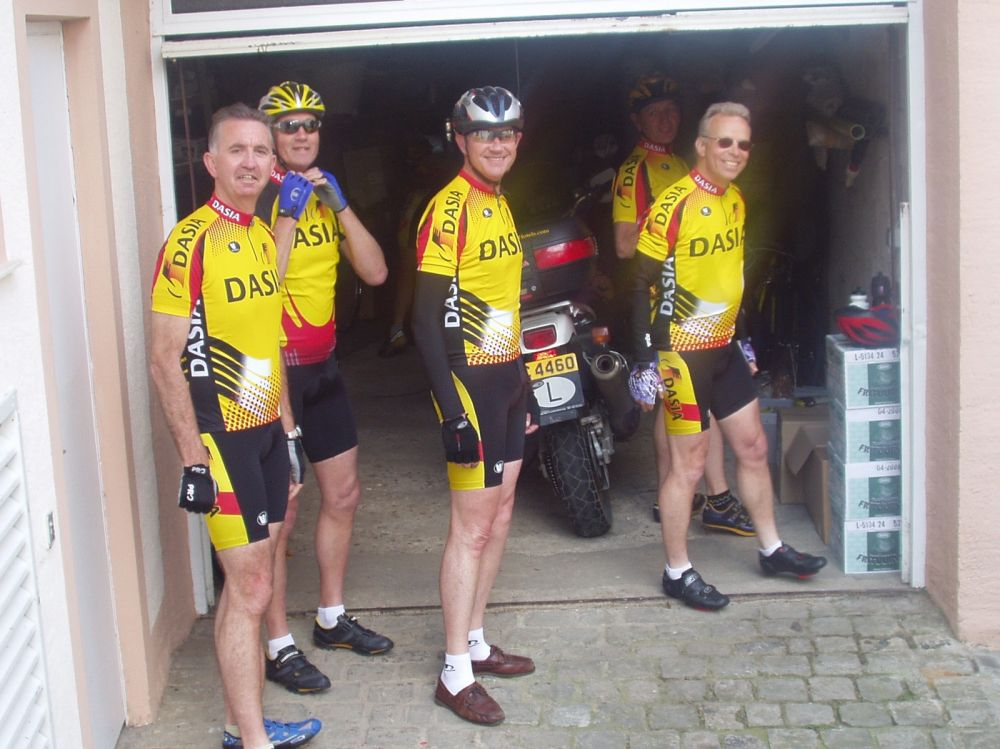 fietsers mai 2005 in garage