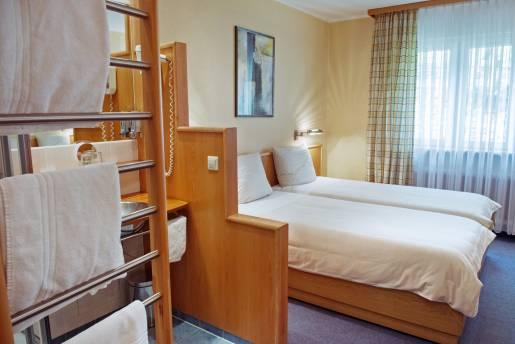 room 208 01 1