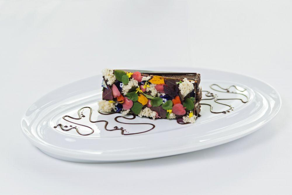 mur vegetal chef patissier yves jehanne restaurant gastronomique la cristallerie hotel le place d armes