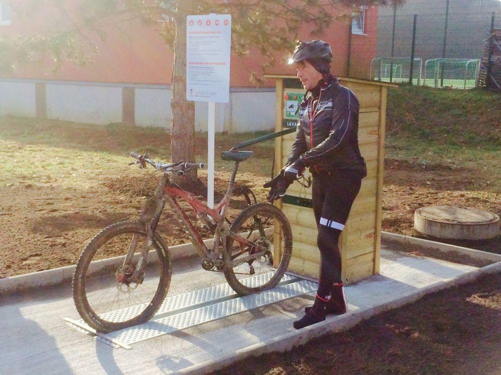 mountain bike wash station 01