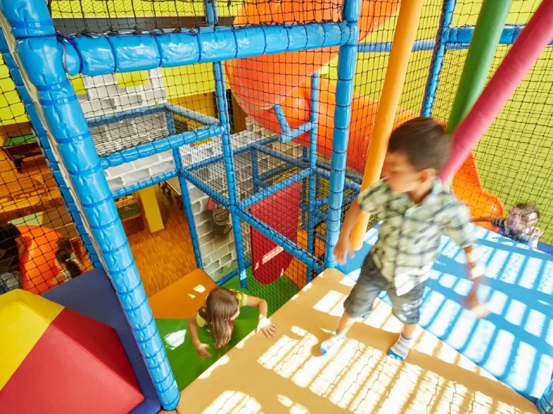 Indoor-Spielplatz und Bowling Center - ORT Mullerthal