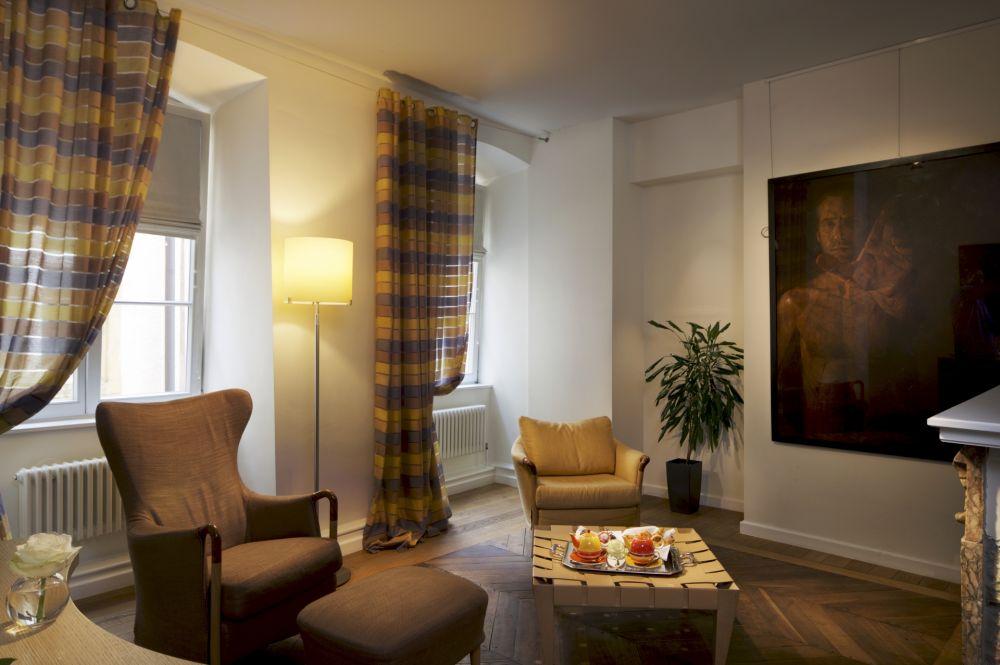 ba suite living 12
