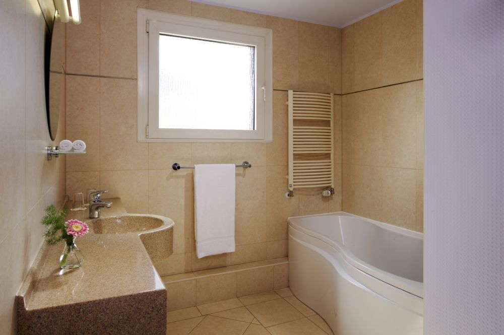 pl superior bathroom 259