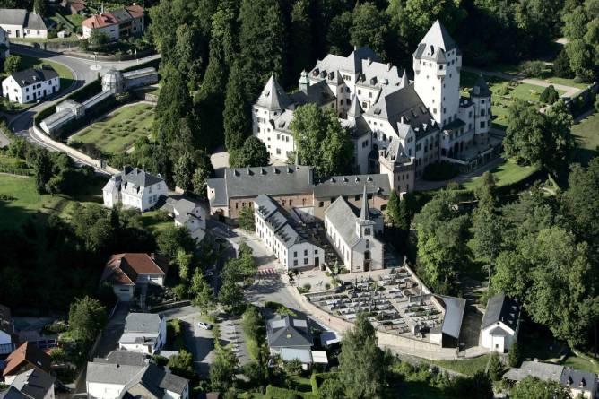 Tour cycliste de gare en gare useldange colmar berg for Colmar berg piscine