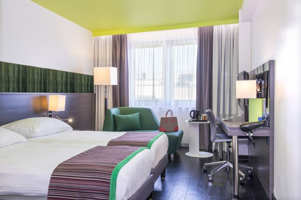 green standard room