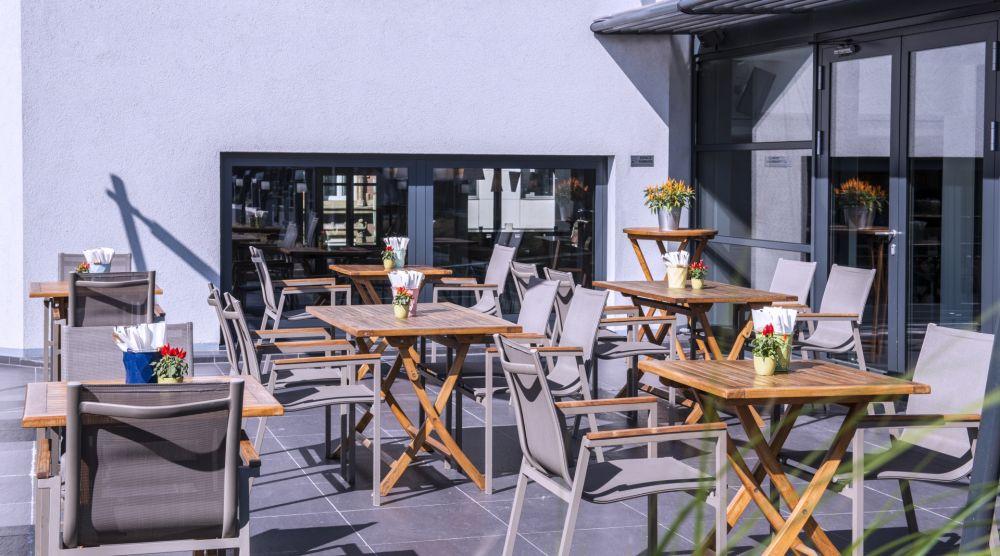 due bar terrace