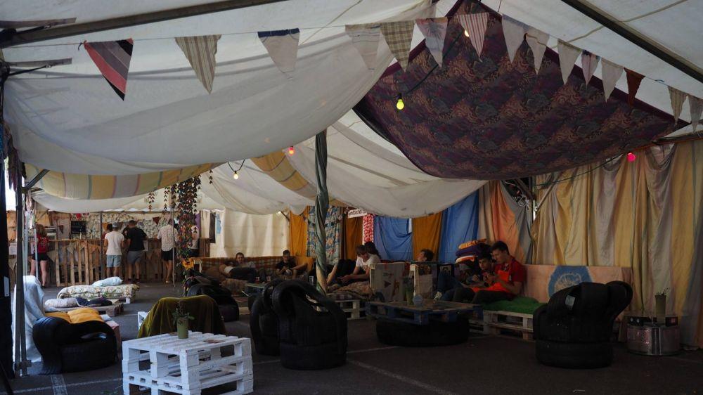 funky donkey festival 02