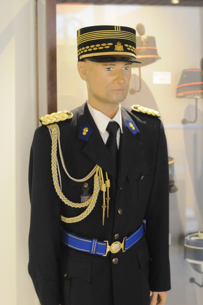 muse e des douanes uniform director