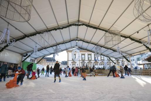 christmas market ice skating alfonso salgueiro