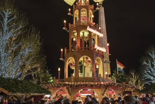 christmas market tower alfonso salgueiro