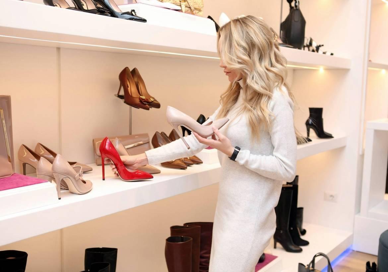 adult boutique choosing 318236