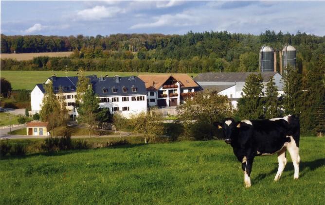 Famille kleyr lenertz paul visit luxembourg - Boerderij luxemburg ...
