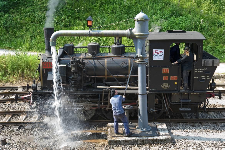 historical steam train 1900 02