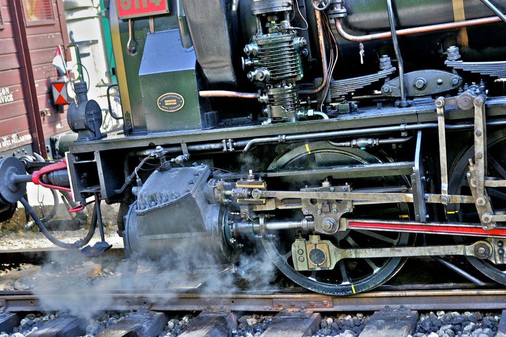 historical steam train 1900 03