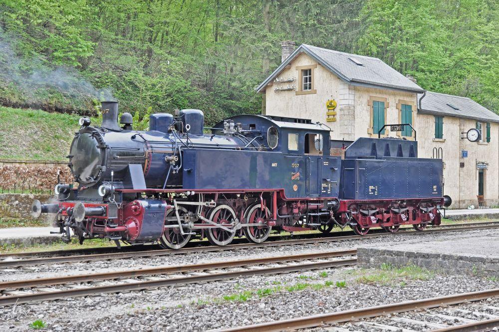 historical steam train 1900 07