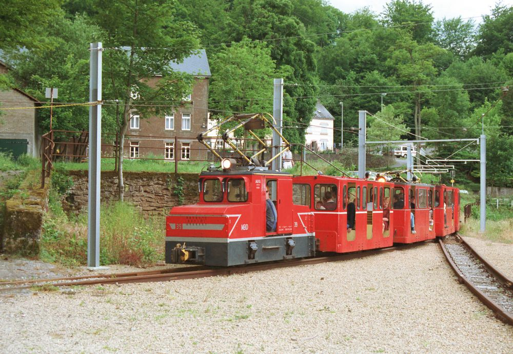 train minier minieresbunn fond de gras 02