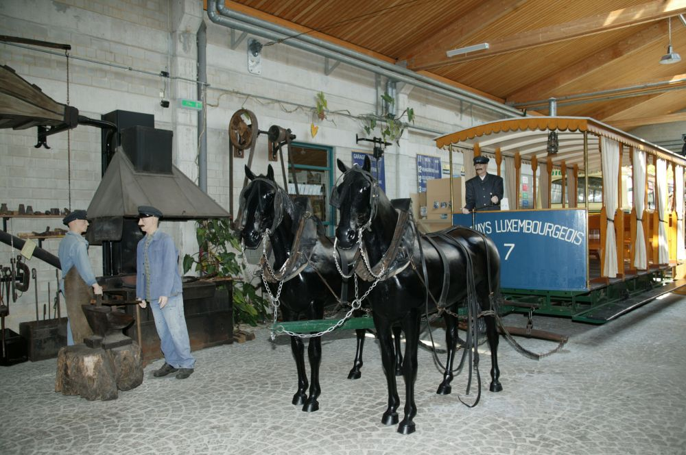straßenbahn und busmuseum luxemburg stadt innen 3