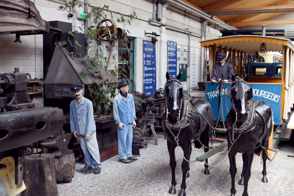 straßenbahn und busmuseum luxemburg stadt innen