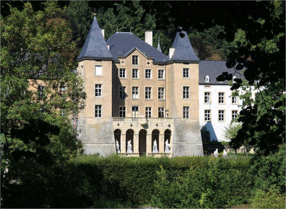 Ansembourg castle outside