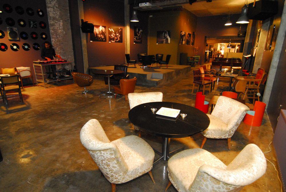 ancien cinema cafe club vianden 01