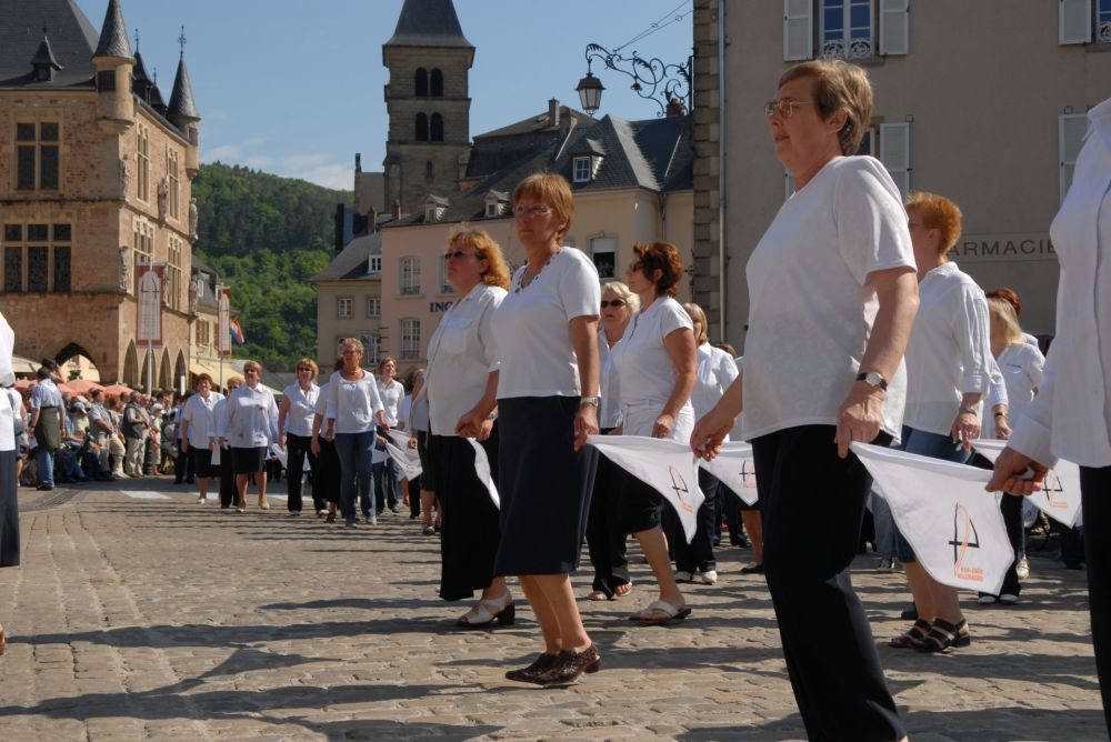 dancing procession of echternach 02