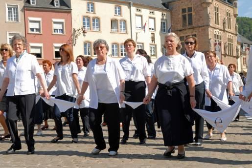 dancing procession of echternach 06