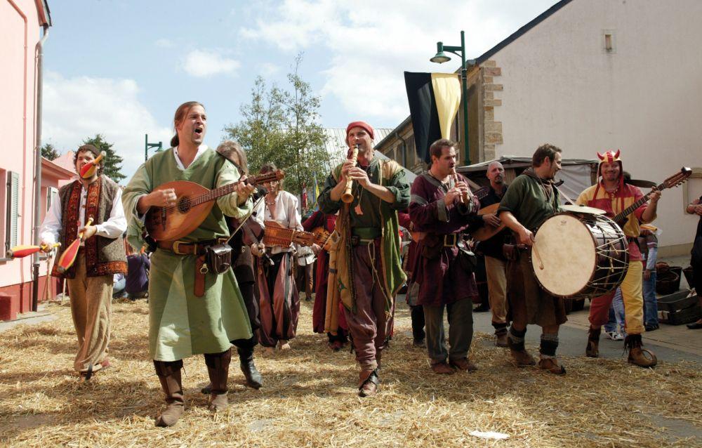 mittelalterliches burgfest butschebuerger buergfest dudelange 03