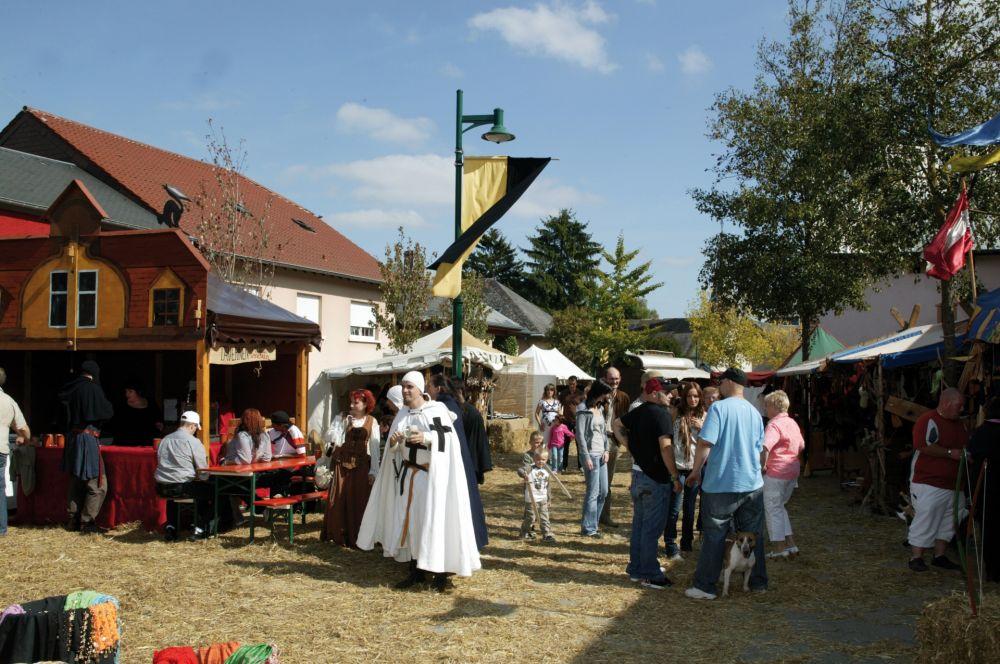mittelalterliches burgfest butschebuerger buergfest dudelange 04
