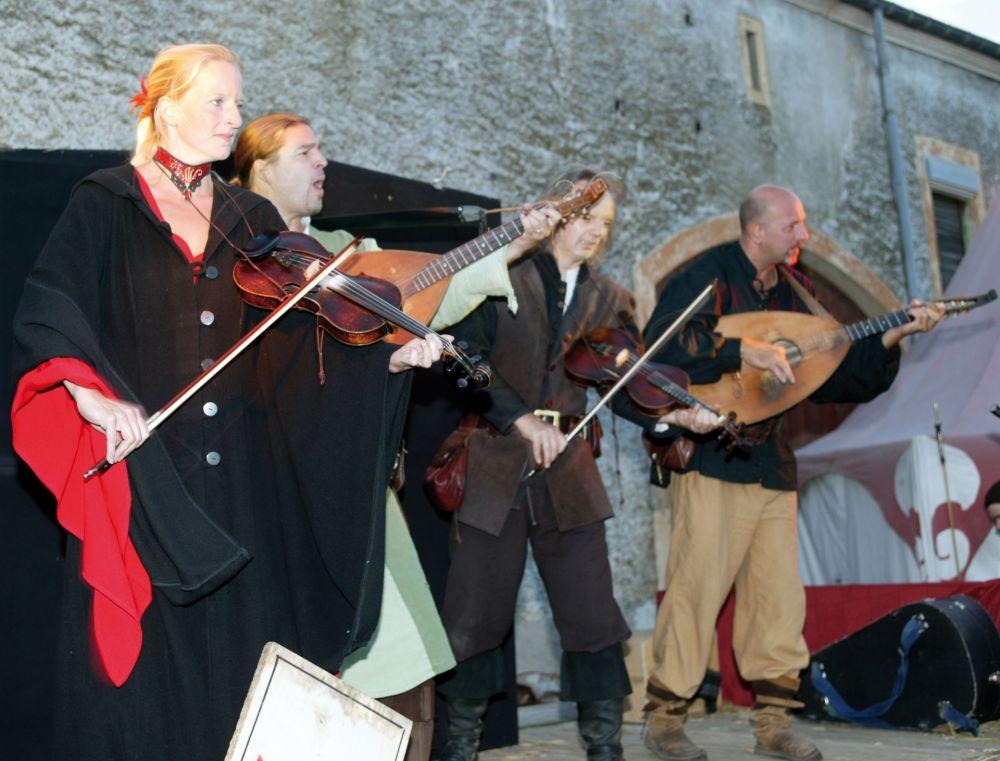 mittelalterliches burgfest butschebuerger buergfest dudelange 06