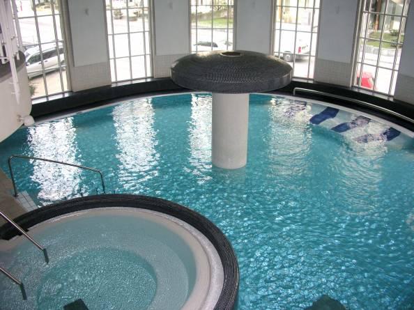 Centre de relaxation aquatique (badanstalt) luxembourg luxemburg